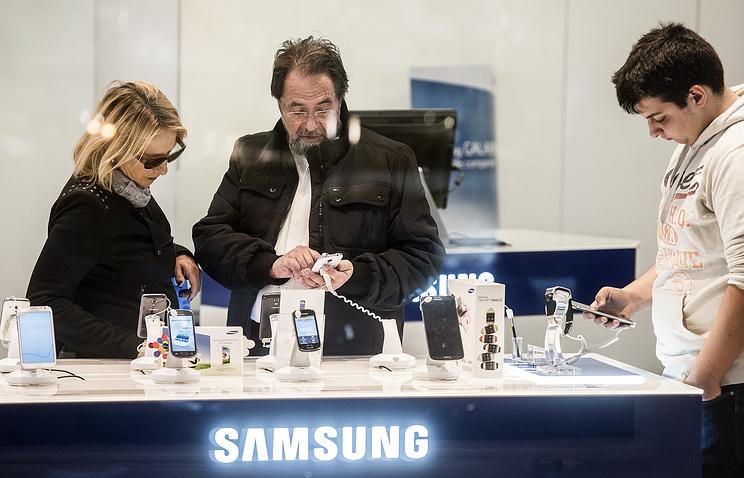 ФАС подозревает Самсунг вкоординации цен на мобильные телефоны