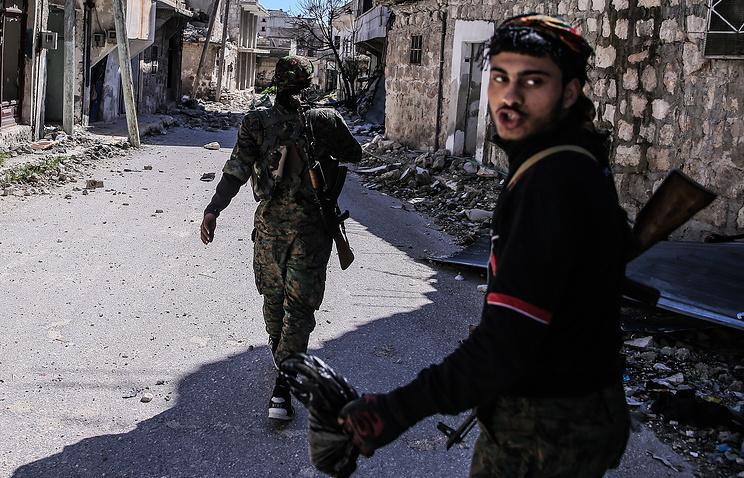 Ввосточном Алеппо свыше 900 граждан покинули удерживаемый боевиками район