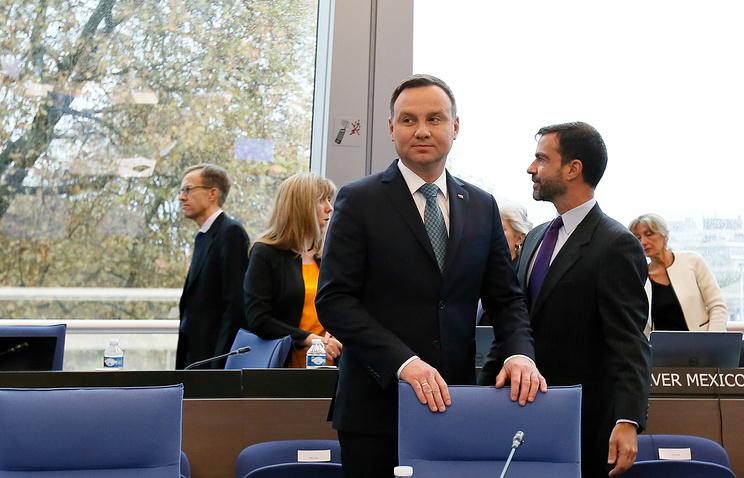Польский президент встретился соппозицией, чтобы решить парламентский кризис