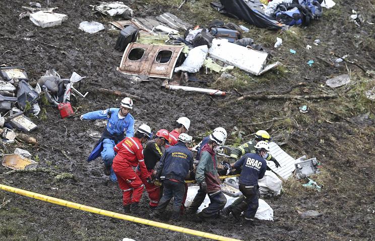 Власти Колумбии назвали человеческий фактор предпосылкой крушения самолета сбразильскими футболистами