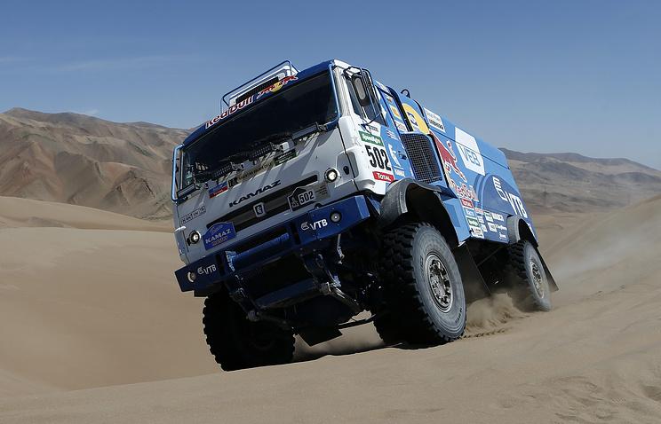 Экипаж Николаева одержал победу «Дакар» взачёте фургонов