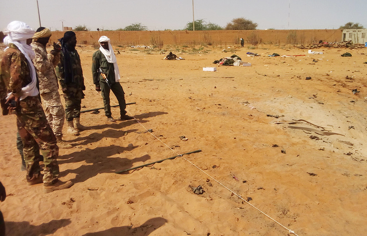 Жертвами взрыва ввоенном лагере вМали стали 37 человек