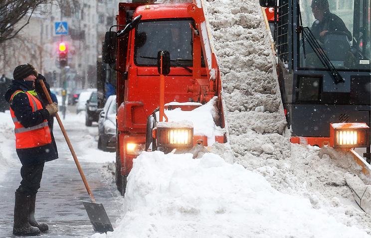Ссамого начала зимы встолице выпало два метра снега