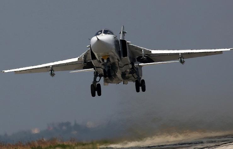Российский фронтовой бомбардировщик Су-24М
