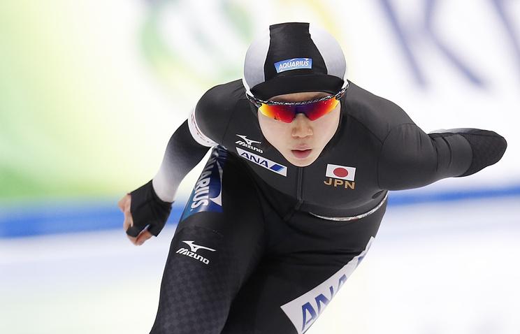 Русский  конькобежец стал первым вклассическом многоборье начемпионате мира