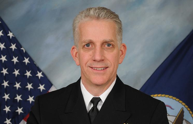 Отставной адмирал ВМС США Брюс Лавлесс