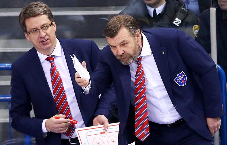 Харийс Витолиньш (слева)
