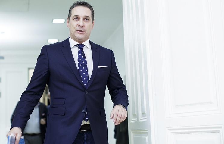 Канцлер Австрии согласился надосрочные парламентские выборы