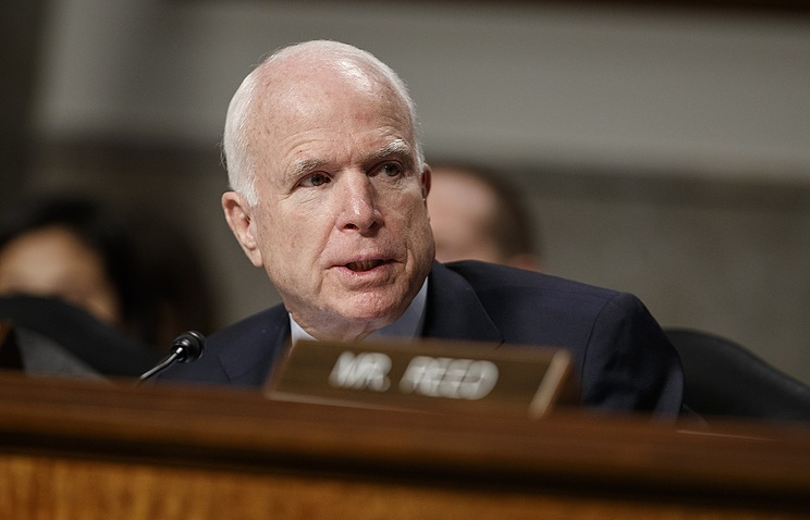 Председатель сенатского комитета Конгресса США по делам вооруженных сил республиканец Джон Маккейн