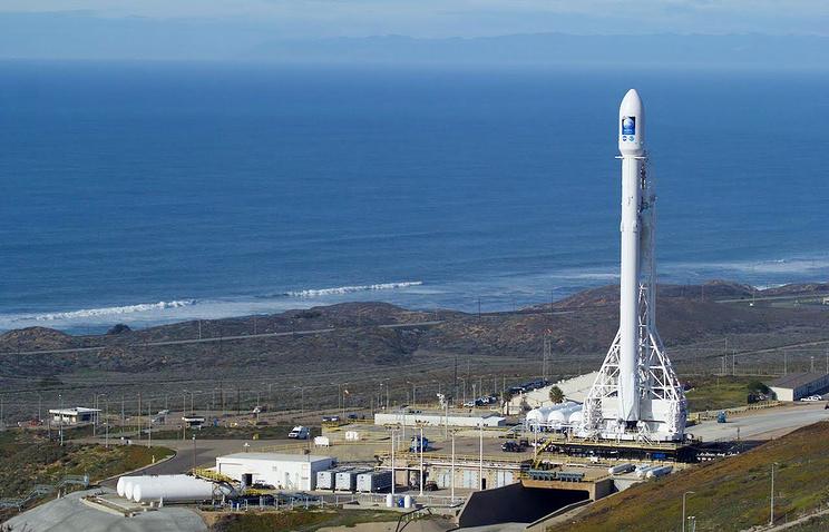 SpaceX удачно вывела наорбиту корабль сгрузом для МКС