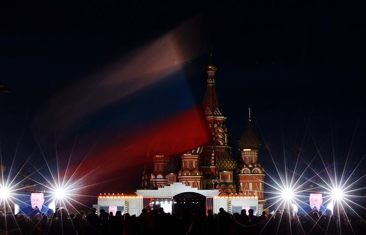 Концерт вДень Российской Федерации наКрасной площади собрал 30 тыс. человек