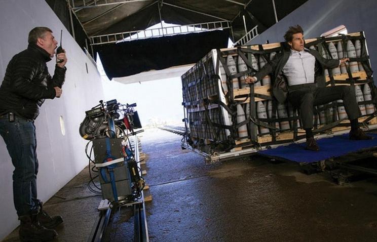 """Актер Том Круз во время съемок фильма """"Миссия невыполнима: Племя изгоев"""""""
