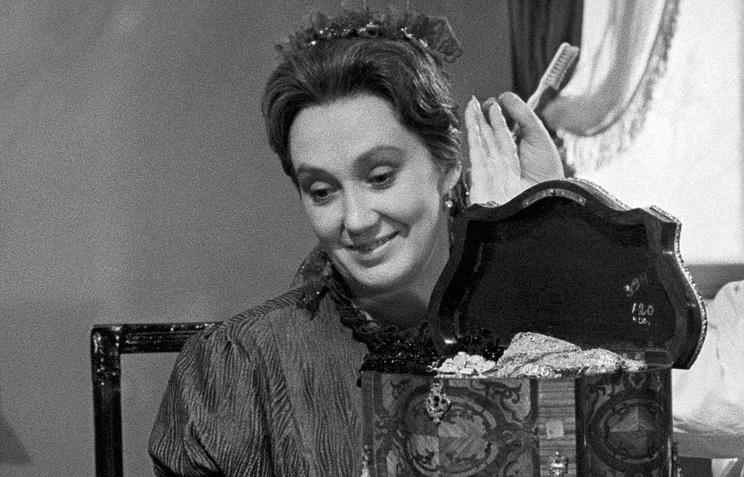 """Кира Головко на съемках фильма """"Война и мир"""", 1963 год"""