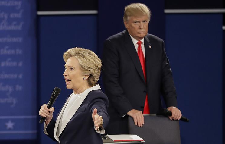 Клинтон обозвала Трампа «отморозком» в собственных мемуарах