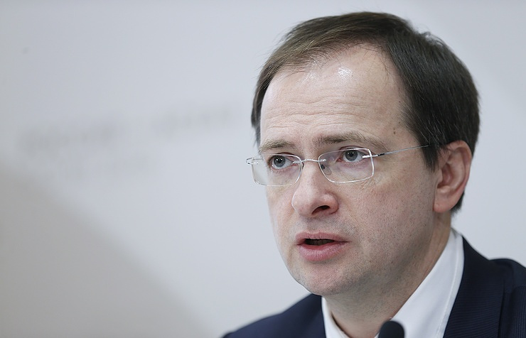 Владимир Мединский считает целесообразным передать Свердловскую киностудию региону