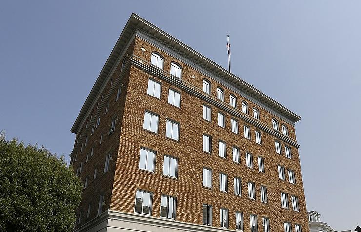 Власти США недали вывезти архив изгенконсульства вСан-Франциско— ПосольствоРФ