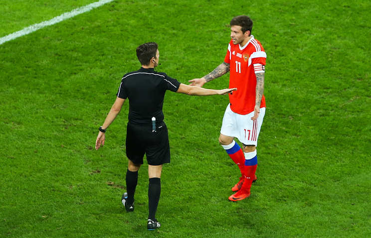 Мутко похвалил футболистов сборнойРФ ираскритиковал арбитра вматче сиспанцами