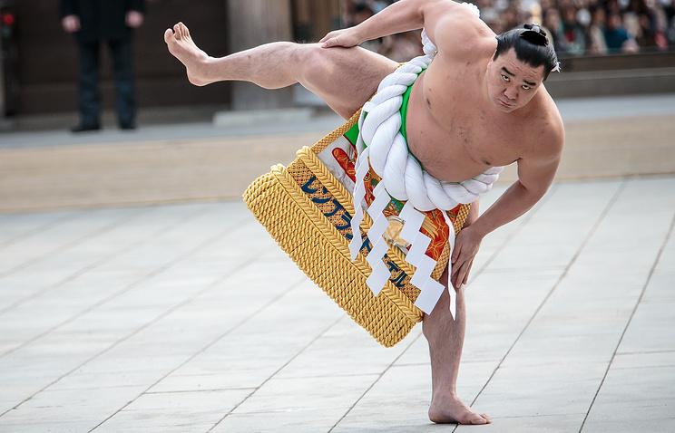 Йокодзуна Харумафудзи ушел изсумо после нетрезвой потасовки