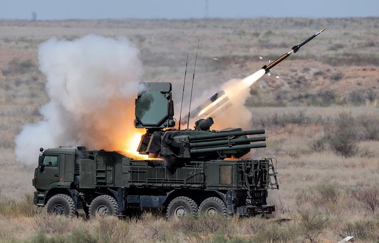 """Зенитный пушечно-ракетный комплекс ближнего действия """"Панцирь-С1"""""""