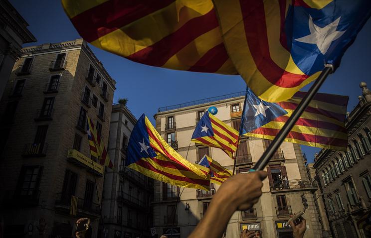 Акция в поддержку заключенных каталонских политиков собрала в Барселоне 315 тыс. человек