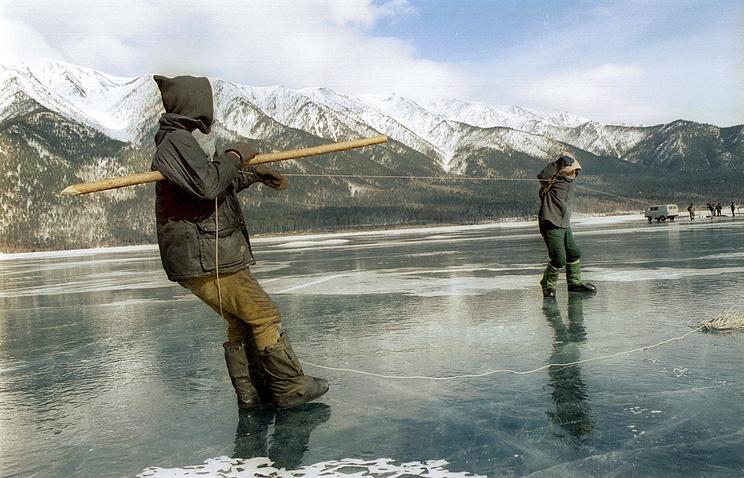 Весенний лов омуля на Байкале