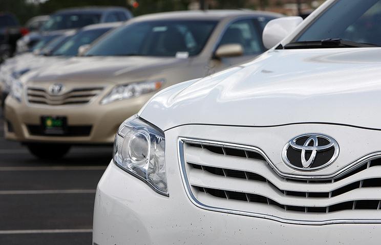 Компания Тойота отзывает 645 тыс. авто повсему миру