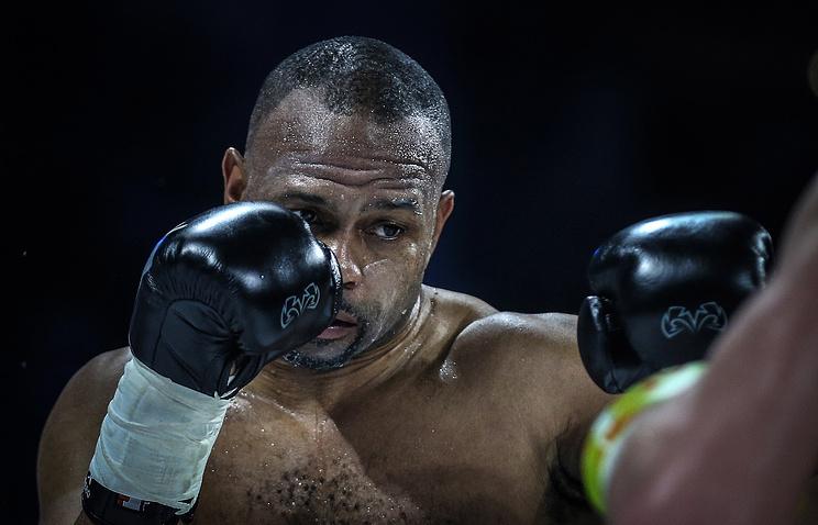 Боксер Рой Джонс выйдет насвой последний поединок