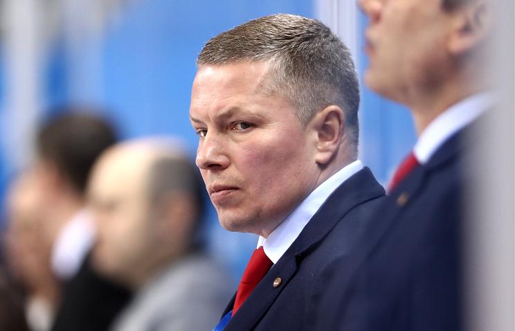 Главный тренер женской сборной России по хоккею Алексей Чистяков
