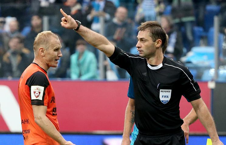 Алексей Еськов (справа)