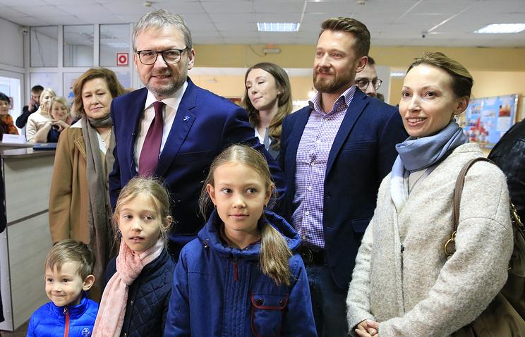 Еще истанцевал. Титов проголосовал навыборах президента вселе Абрау-Дюрсо