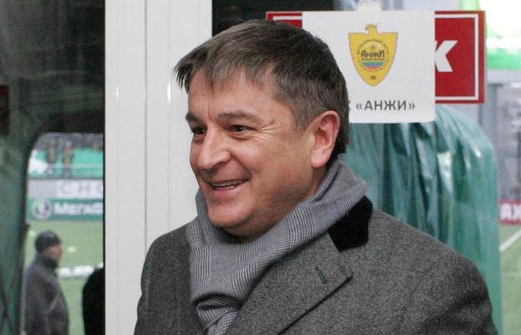 Президент Анжи Кадиев нецензурно обидел арбитров после матча сУралом