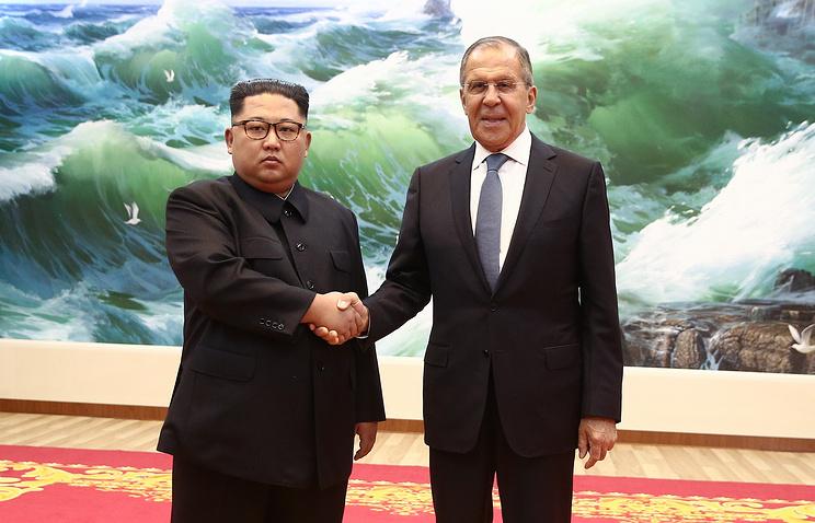 Лидер КНДР Ким Чен Ын и глава МИД РФ Сергей Лавров