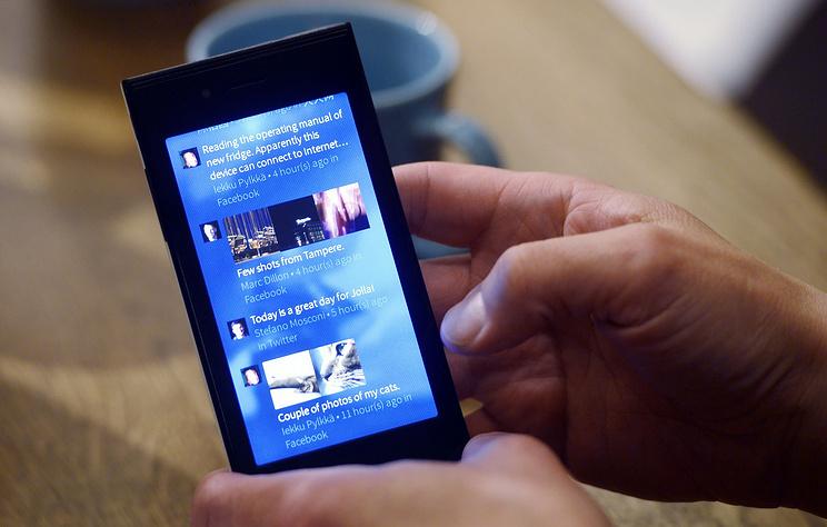 Переход чиновников на мобильные телефоны сотечественнойОС обойдется в160 млрд руб.