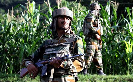 Индийский пограничник. Фото EPA/ИТАР-ТАСС
