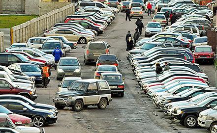 Продажа подержанных автомобилей. Фото ИТАР-ТАСс/ Руслан Шамуков