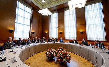 Переговоры по иранскому ядерному досье в Женеве. Фото AP Photo/Fabrice Coffrini, pool