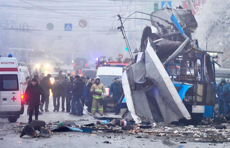 Следственные действия на месте взрыва в троллейбусе в Дзержинском районе Волгограда