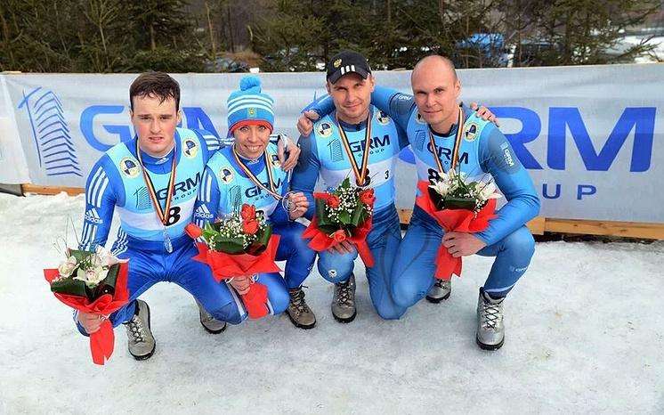 Российские саночники Станислав Ковшик, Екатерина Лаврентьева, Петр Попов, Александр Егоров (слева направо)