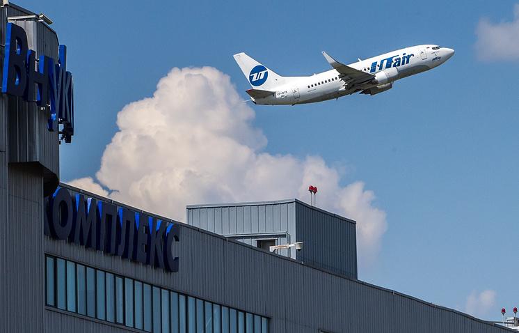 Boeing 737 в аэропорту Внуково