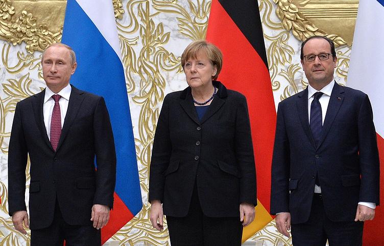 Владимир Путин, Ангела Меркель и Франсуа Олланд (слева направо)